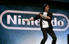 Miyamoto durante el E3 del 2010.jpg